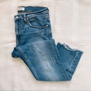 ZARA | Distressed High Rise Raw Hem Jeans Sz 8